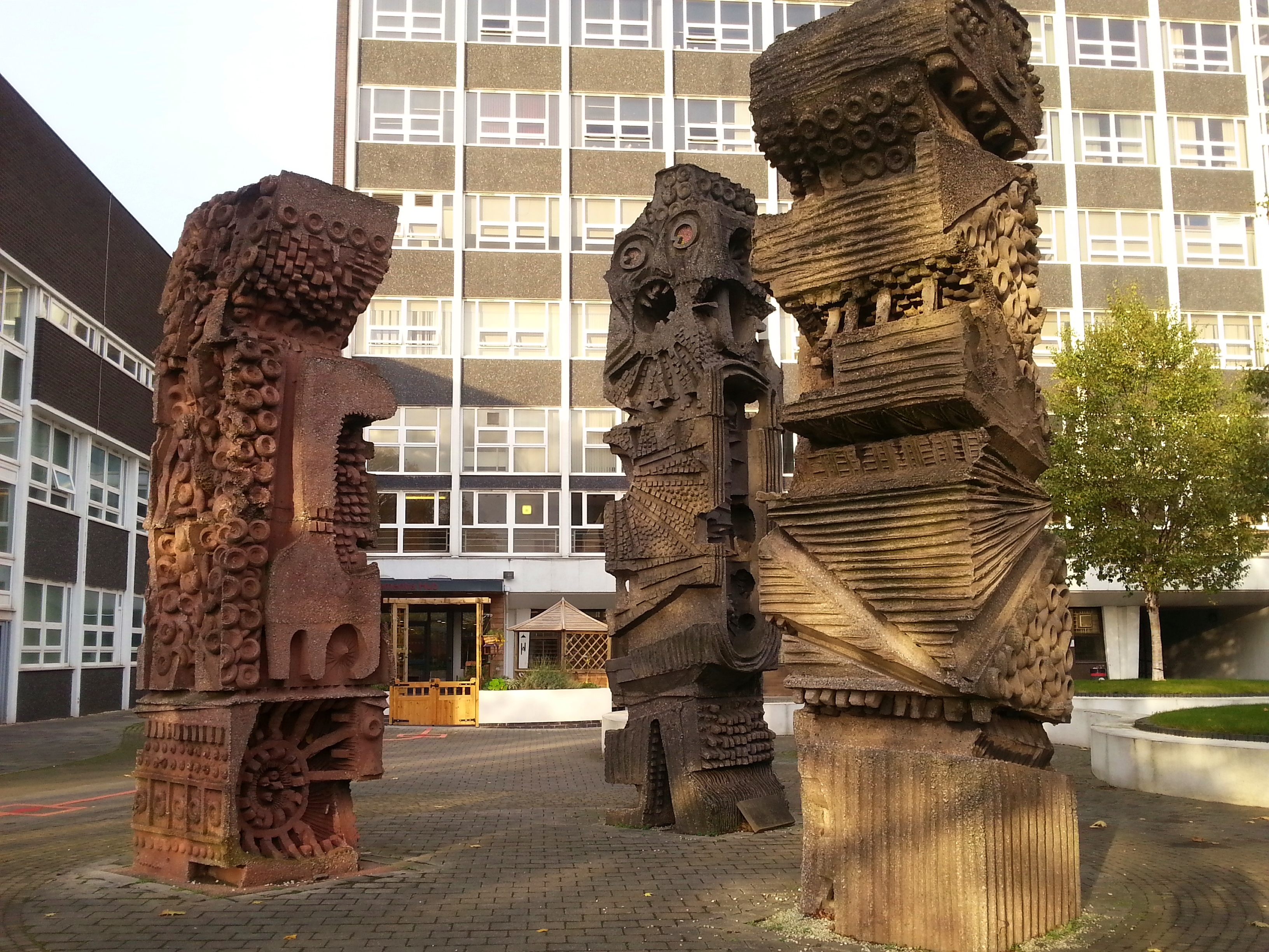 Uni totem sculptures allerton building (2)