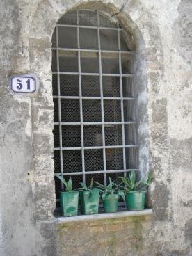Pitigliano and Narni 014 Narni flower pots